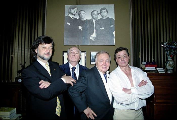 Алексей Рыбников, Марк Захаров, Андрей Вознесенский и Николай Караченцов в 2001 г. | Фото: dubikvit.livejournal.com