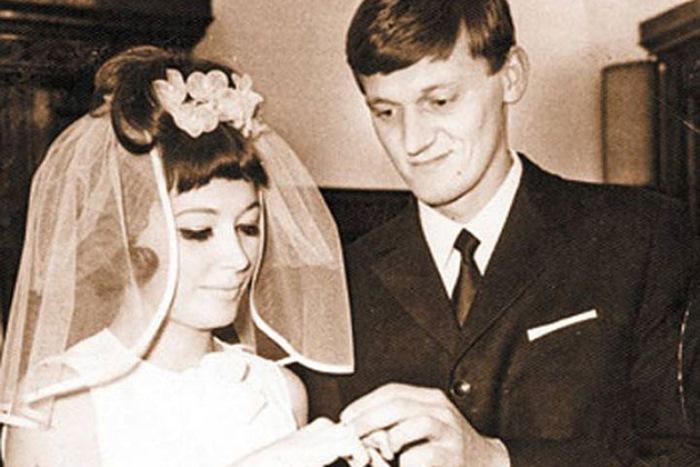Первая свадьба Аллы Пугачевой – с Миколасом Орбакасом