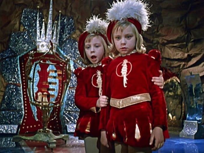 Оля и Таня Юкины в ролях Оли и Яло | Фото: forum.kinozal.tv