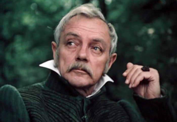 Кадр из фильма *Дубровский*, 1988 | Фото: kino-teatr.ru