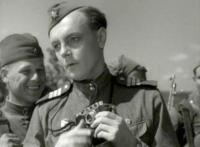 Кирилл Лавров в фильме *Максим Перепелица*, 1955 | Фото: kino-teatr.ru
