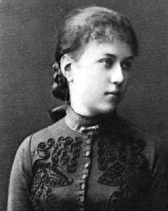 Александра Коллонтай в юности