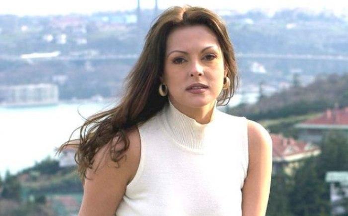 Одна из самых красивых и популярных турецких актрис   Фото: 24smi.org