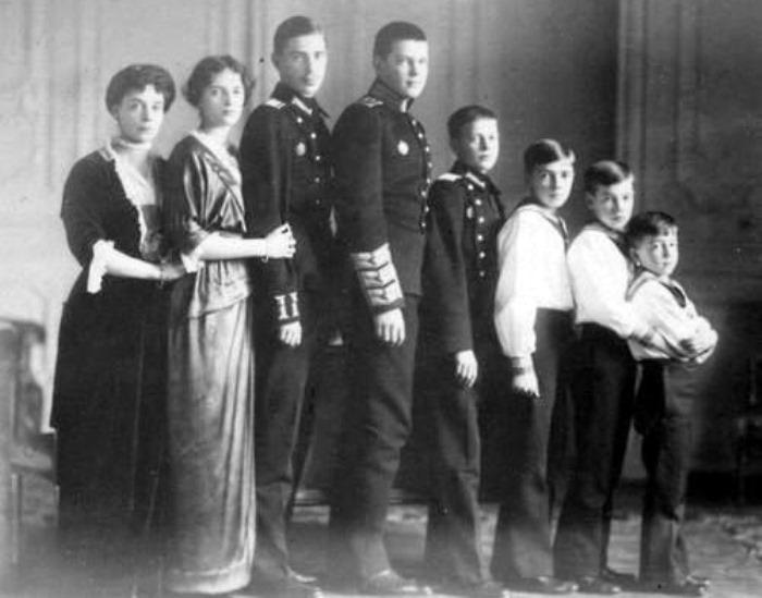 Великая княгиня Ксения Александровна с детьми | Фото: liveinternet.ru