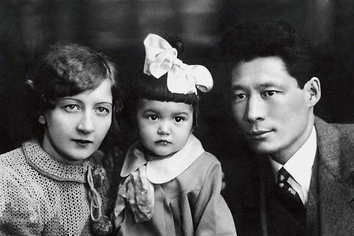 Маленькая Кюнна с родителями   Фото: liveinternet.ru