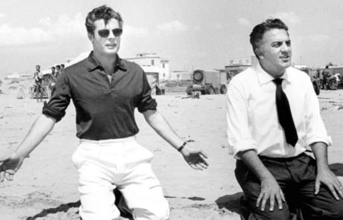 Марчелло Мастроянни и Федерико Феллини на съемках фильма *Сладкая жизнь* | Фото: re-movie.ru