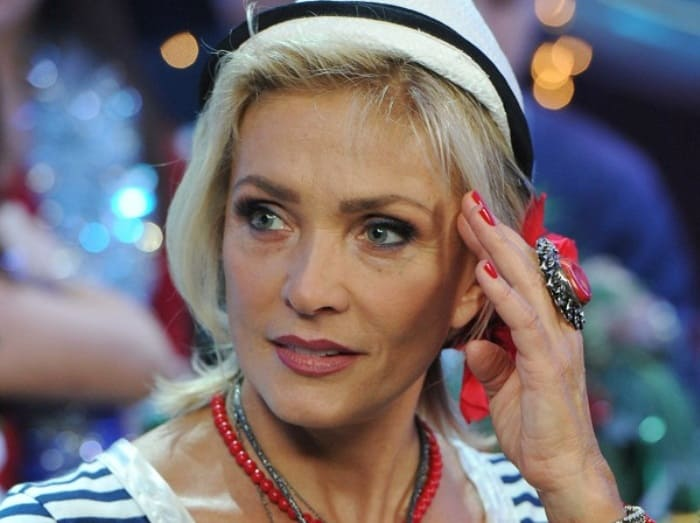 Народная артистка Латвии Лайма Вайкуле | Фото: vokrug.tv