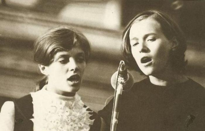 Лайма Вайкуле (слева) в юности | Фото: 24smi.org