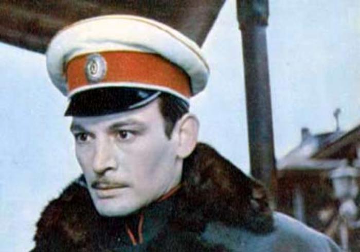 Василий Лановой в роли Вронского | Фото: kino-teatr.ru