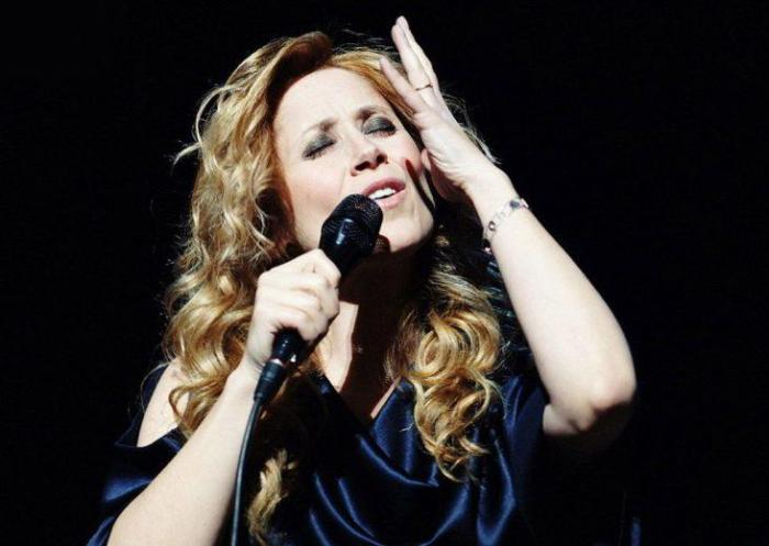 Певица на сцене | Фото: lifegid.media
