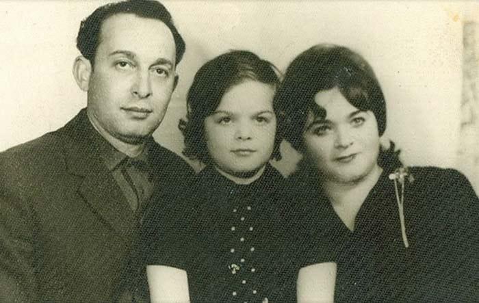 Лариса Кудельман с родителями | Фото: uznayvse.ru