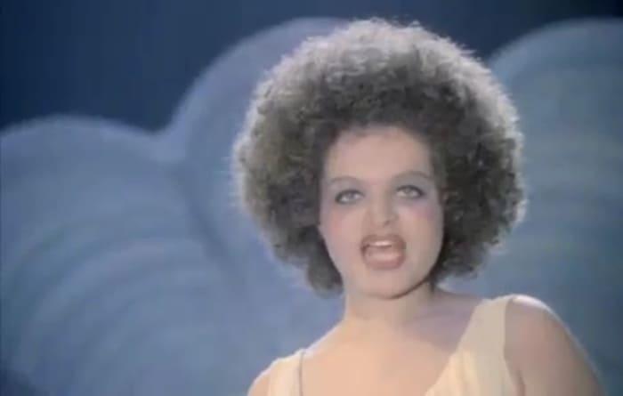 Дебютная кинороль Ларисы Долиной в фильме *Бархатный сезон*, 1978 | Фото: kino-teatr.ru