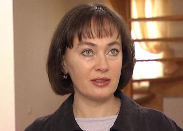 Лариса Гузеева в фильме *Не покидай меня, любовь!*, 2001 | Фото: kino-teatr.ru