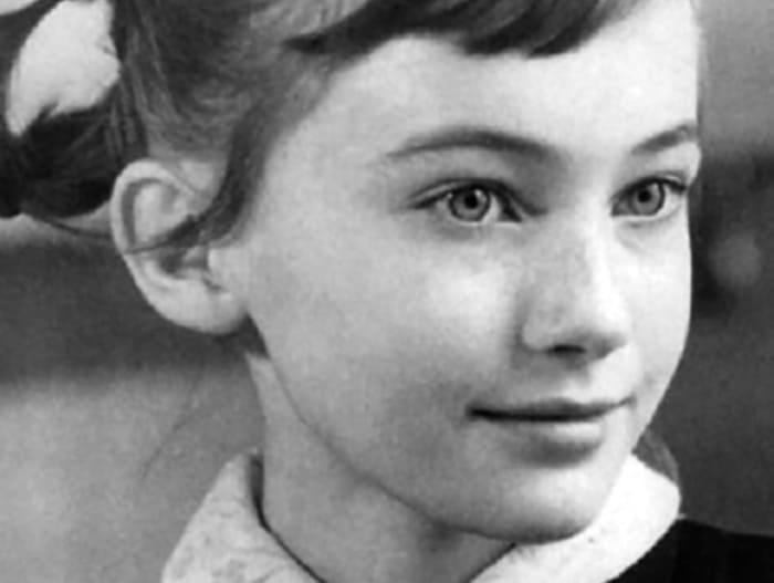 Лариса Гузеева в детстве | Фото: anews.com