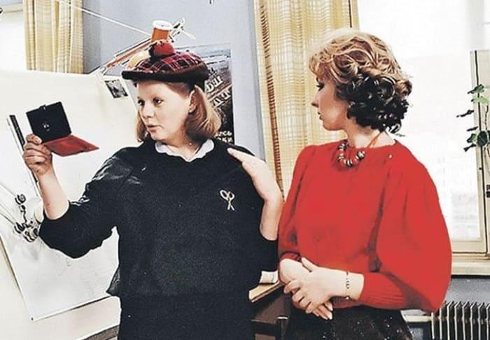 Кадр из фильма *Самая обаятельная и привлекательная*, 1985 | Фото: adme.ru