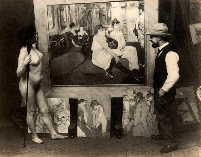 Тулуз-Лотрек с натурщицей в его студии на Монмартре. Фотограф Морис Жюбер