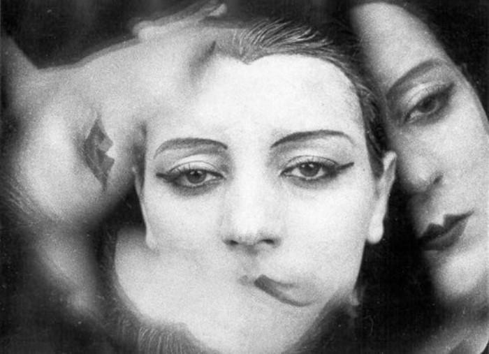 Ман Рэй. Кики с Монпарнаса. В кровати с камерой, 1928 | Фото: newtimes.ru