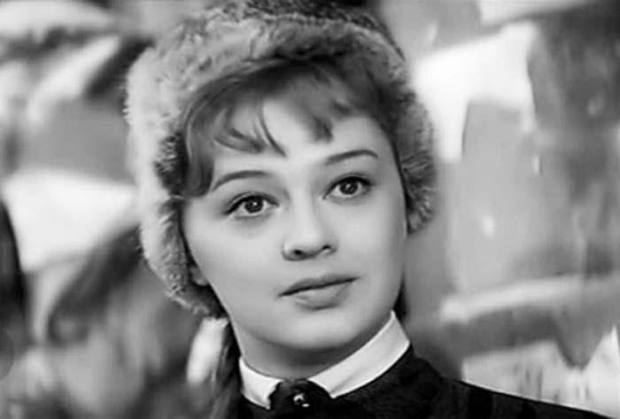 Алина Покровская в фильме *Офицеры*, 1971 | Фото: kino-teatr.ru