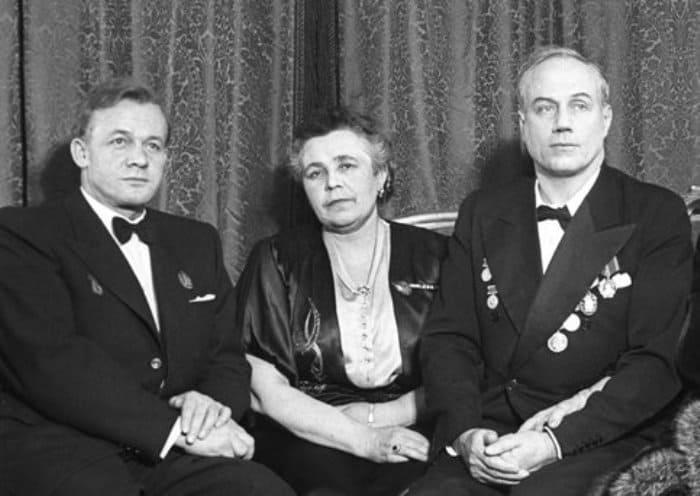 Народные артисты СССР (слева направо): Сергей Лемешев, Елена Степанова, Иван Козловский | Фото: m24.ru