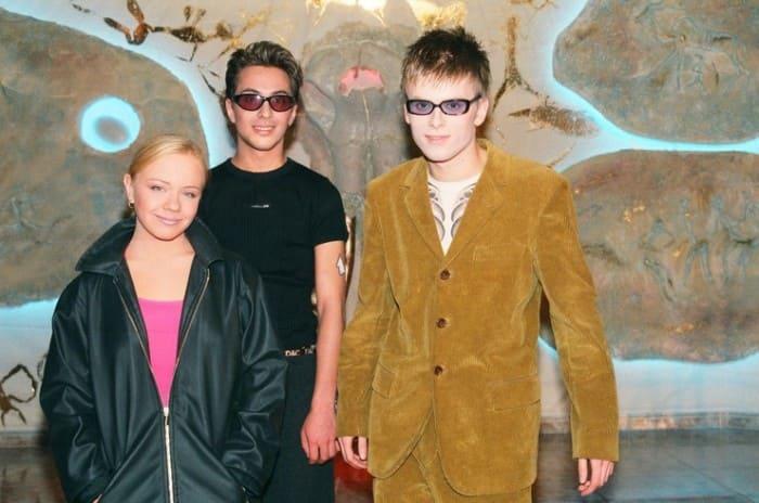 Лена Перова с группой *Амега* | Фото: starhit.ru