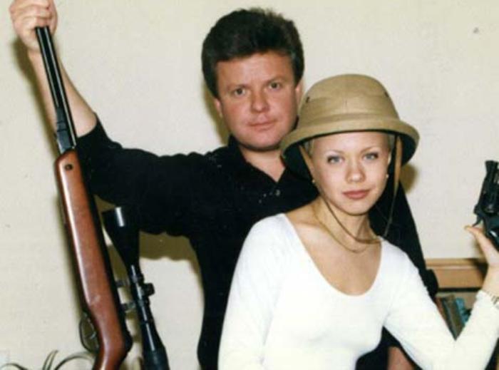 Певица с братом, телеведущим Сергеем Супоневым | Фото: stuki-druki.com