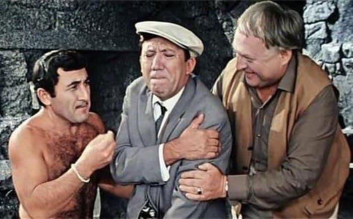 Кадр из фильма *Бриллиантовая рука*, 1968 | Фото: stories-of-success.ru