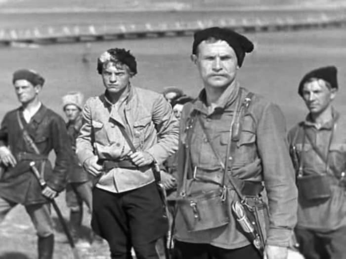 Кадр из фильма *Чапаев*, 1934 | Фото: kino-teatr.ru