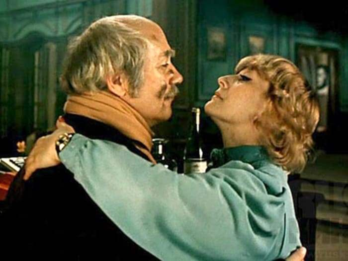 Кадр из фильма *Ищите женщину*, 1982   Фото: kino-teatr.ru