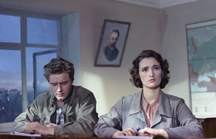 Кадр из фильма *Поэма о море*, 1958 | Фото: ladiesvenue.ru