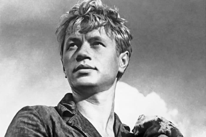 Кадр из фильма *Алешкина любовь*, 1960   Фото: kino-teatr.ru