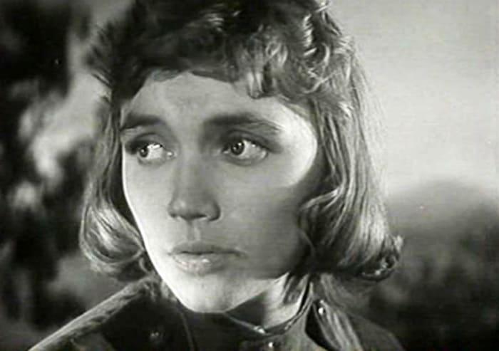 Кадр из фильма *Солнце светит всем*, 1959 | Фото: kino-teatr.ru