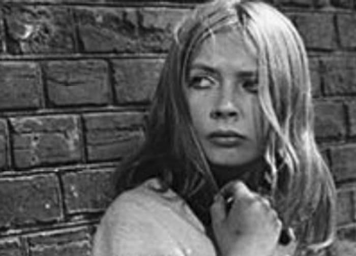 Лина Бракните в фильме *Последний фронт*, 1971 | Фото: kino-teatr.ru