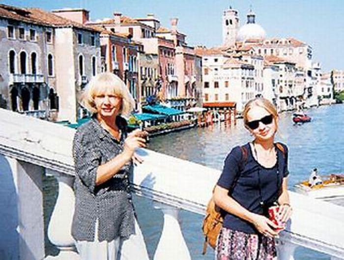Лина Пакнене с дочерью Викой в Венеции | Фото: kino-teatr.ru