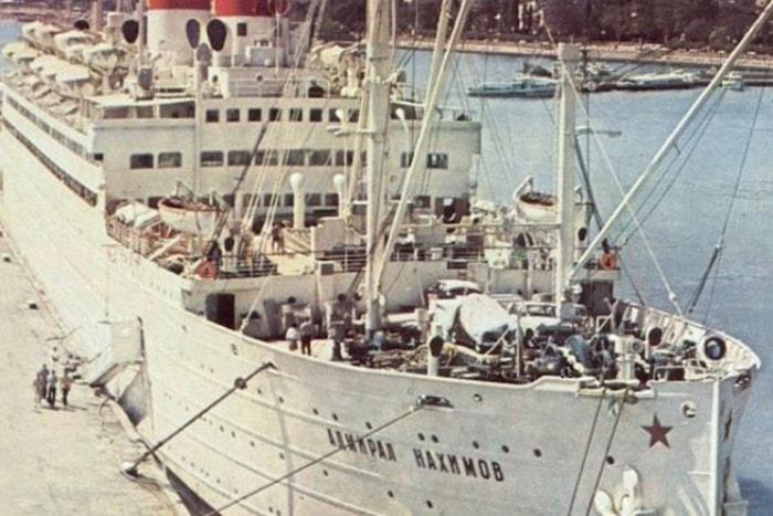 Лайнер, повторивший судьбу всех кораблей с таким названием | Фото: admiralnakhimov.ru