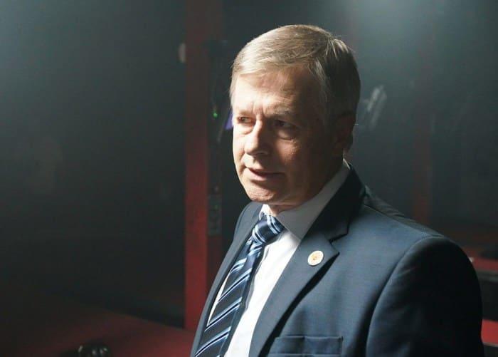 Игорь Ливанов в сериале *Посольство*, 2018 | Фото: kino-teatr.ru