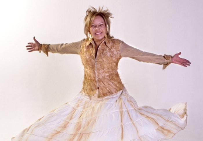 Харизматичная бразильская певица | Фото: loalwabraz.com