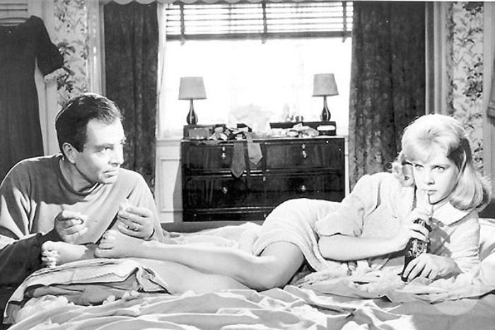 Сью Лайон в роли Лолиты и Джеймс Мейсон в роли Гумберта Гумберта, 1962 | Фото: tele.ru