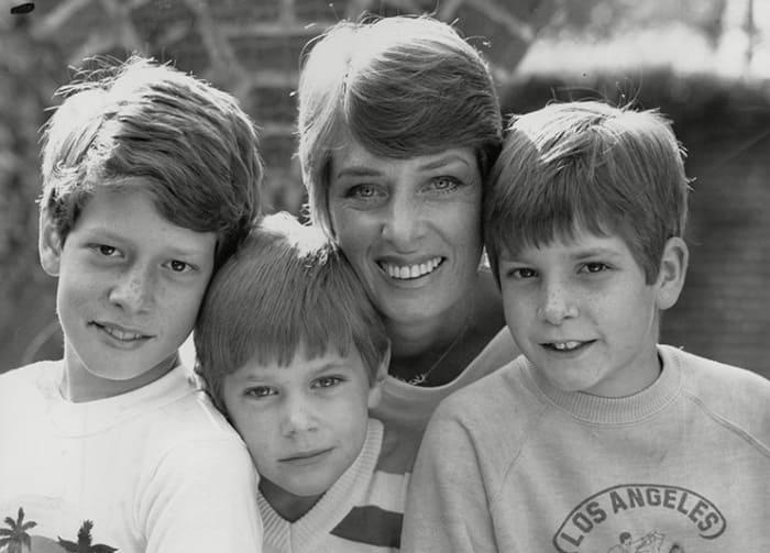 Ким Касали с сыновьями | Фото: cosmo.ru