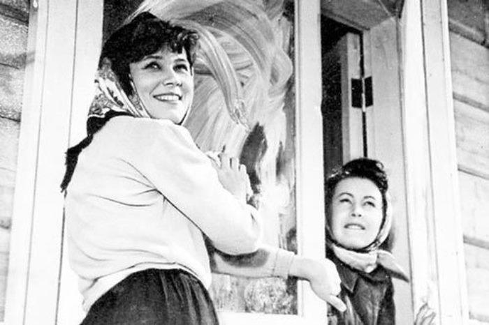 Люсьена Овчинникова в фильме *Девчата*, 1961 | Фото: kino-teatr.net