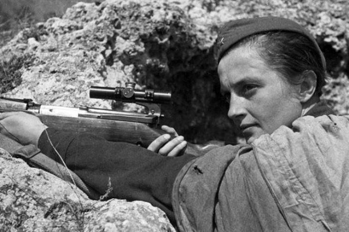 Снайпер Людмила Павличенко, 1942 | Фото: aif.ru