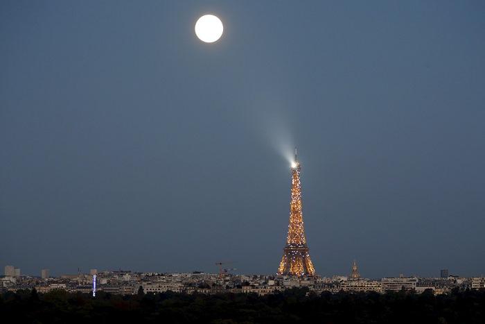 Полнолуние в Париже