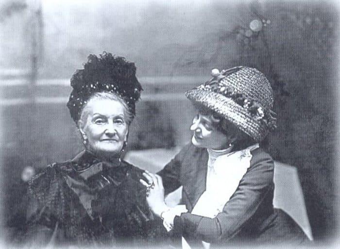 Лидия Яворская с матерью | Фото: ljwanderer.livejournal.com