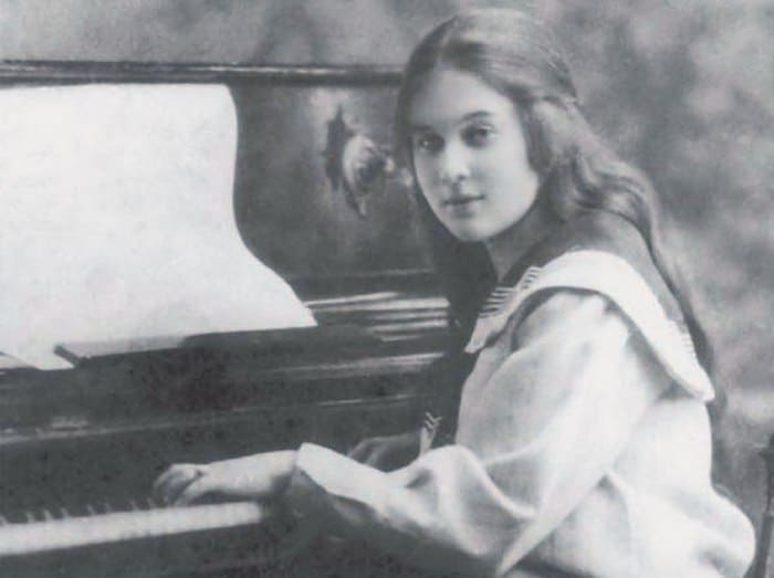 Любовь Орлова в юности | Фото: shkolazhizni.ru