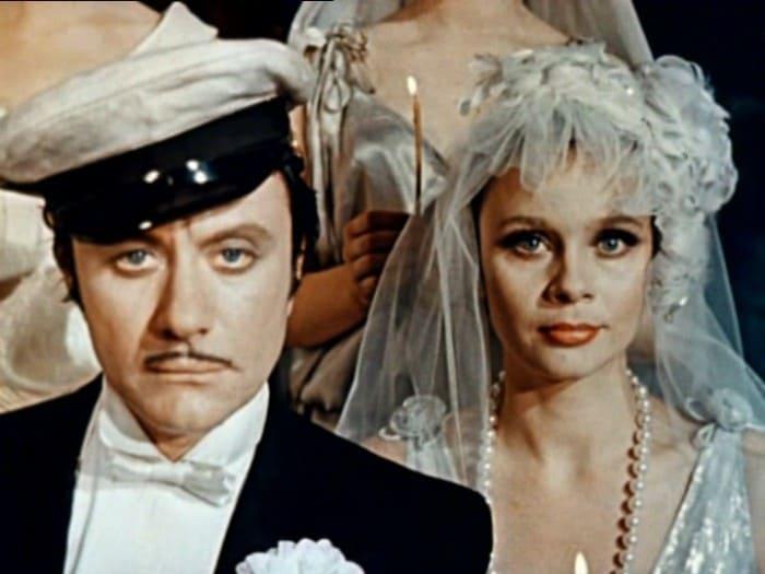 Андрей Миронов и Любовь Полищук в фильме *12 стульев*, 1977 | Фото: kino-teatr.ru