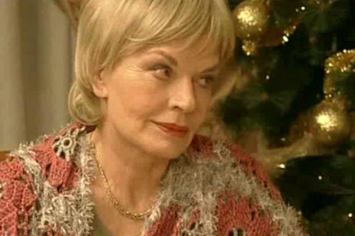 Людмила Чурсина в фильме *Юбилей*, 2007 | Фото: kino-teatr.ru