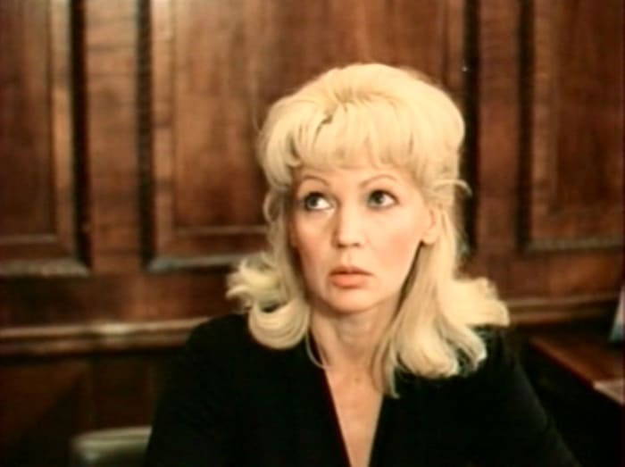 Людмила Давыдова в фильме *Алый камень*, 1986 | Фото: kino-teatr.ru