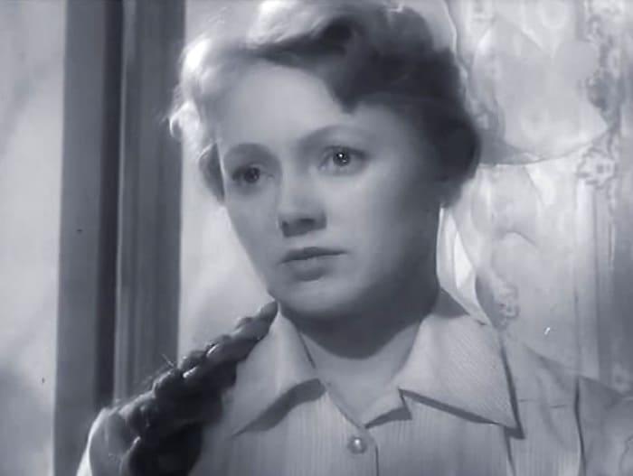 Людмила Касаткина в фильме *По ту сторону*, 1958 | Фото: kino-teatr.ru