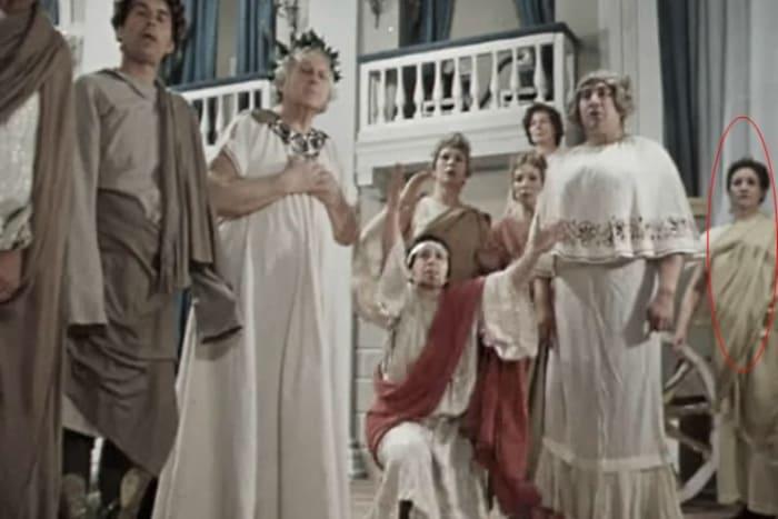 Людмила Марченко в эпизоде фильма *О бедном гусаре замолвите слово*, 1980 | Фото: 24smi.org