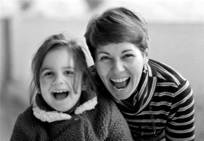 Спортсменка с дочерью Юлей, конец 1970-х гг.   Фото: sports.ru