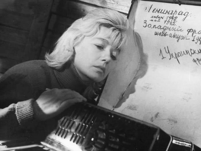 Кадр из фильма *Самый медленный поезд*, 1963 | Фото: kino-teatr.ru